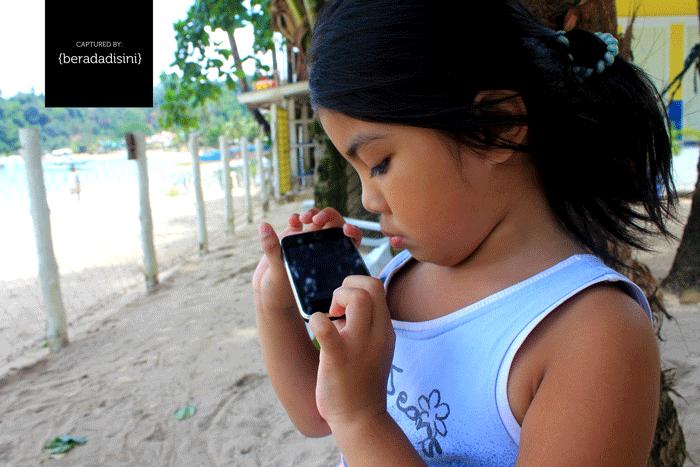 El Nido Girl iPhone